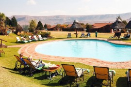 The pool area at Qwantani Resort