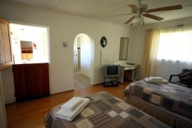 Bedroom accommodation at Wildberry Guestfarm